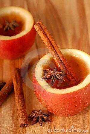 Free Apple Cider With Cinammon And Star Anise Stock Photos - 3961333