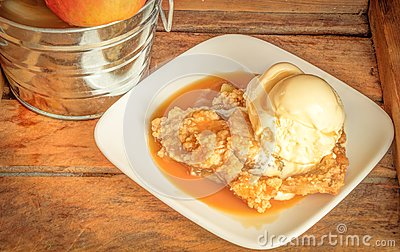 Apple Crisp A La Mode Stock Photo - Image: 43728677