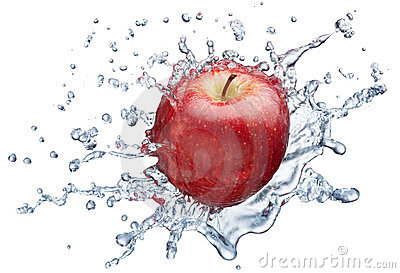 Apple, der im Wasser spritzt