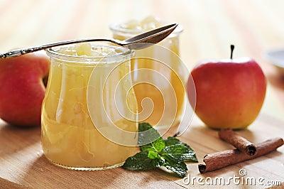 Apple jam with cinnamon