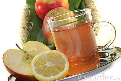 Apple-lemon tea