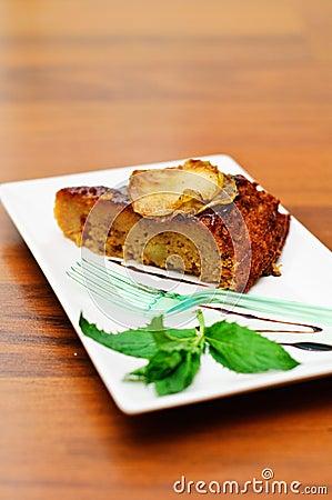 Apple moist cake