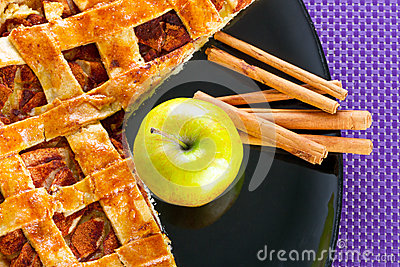 Apple pie with cinnamon dessert