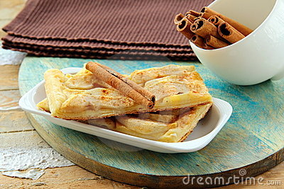 apple pie and cinnamon stick