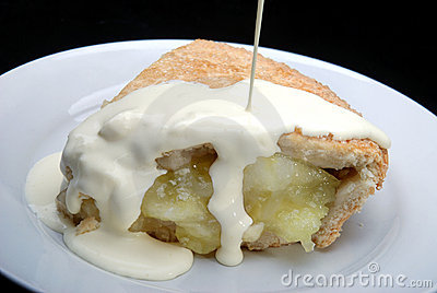 Apple pie with cream