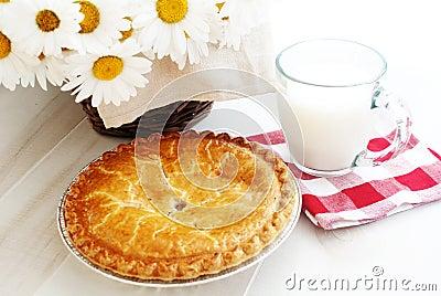 Apple pie and milk