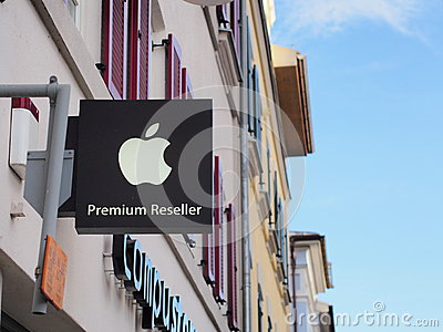 Apple Premium Reseller Editorial Photo