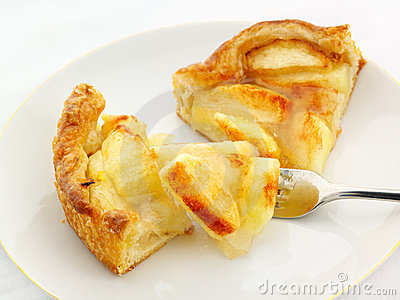 Apple tart serving