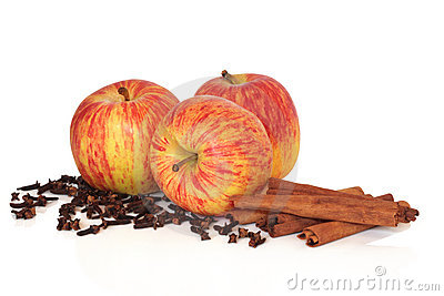 Apples Cinnamon and Cloves