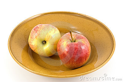 Apples in dish