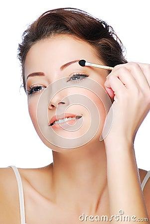 Free Applying Eyeshadow Using Cosmetic Applicator Stock Photos - 7340793