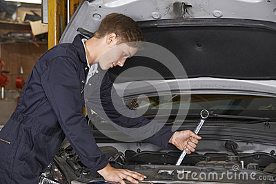how to become an auto mechanic apprentice