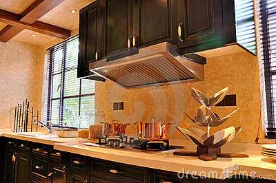 Apra la cucina di stile con kitchware