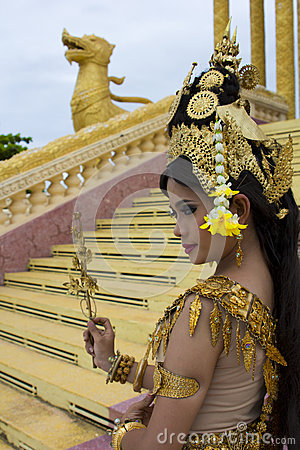 Free Apsara Dancer Performance In Temple Royalty Free Stock Image - 29040506