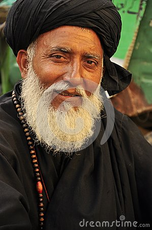Free Arab Man With Black Turban Royalty Free Stock Images - 33727329