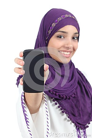 Free Arab Woman Wearing A Hijab Showing A Blank Smartphone Screen Stock Image - 32455231