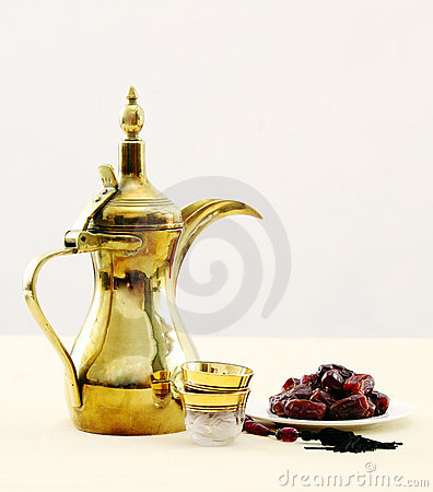Free Arabian Coffee And Dates Royalty Free Stock Images - 20307139