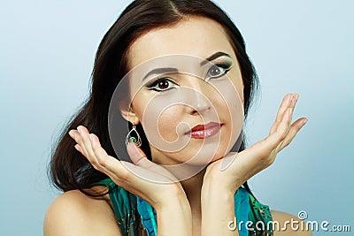 Arabic bright make-up