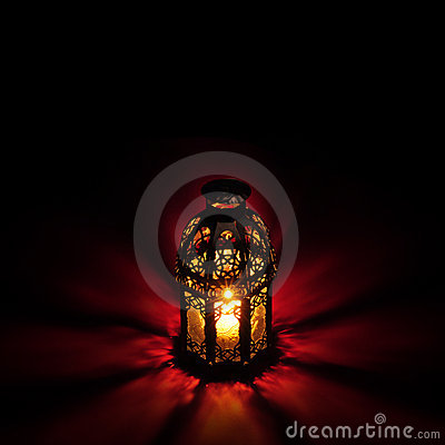 Free Arabic Lantern Red Royalty Free Stock Photography - 20567557