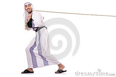 Arabisk man i dragkamp