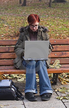 Arbeiten an dem Laptop