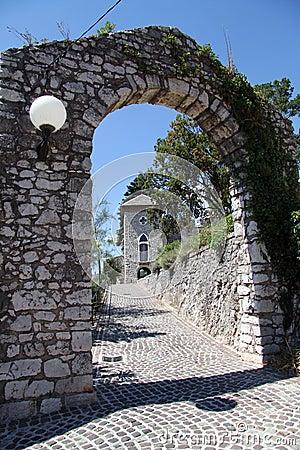 Arc et porte