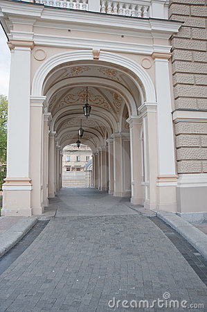 Free Arch Entrance Of A Building Of An Opera Royalty Free Stock Photos - 10398948