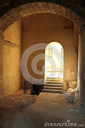 Arch passage