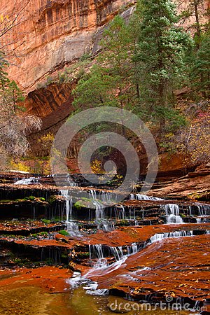 Free Archangel Cascades In The Beautiful Subway Slot Canyon At Zion National Park Royalty Free Stock Images - 105333569