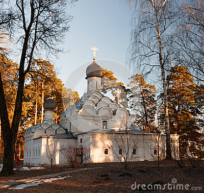 Free Archangel Michael Church In The Museum Estate Archangelskoye Near Moscow Royalty Free Stock Photos - 89384458