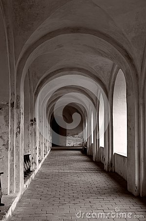 Free Arched Passage Stock Photos - 35173343