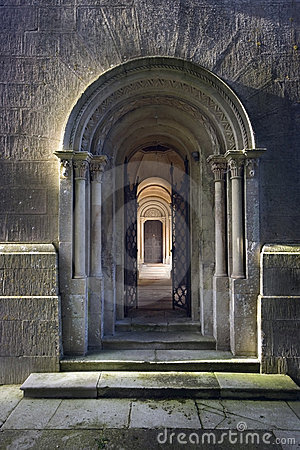 Free Arched Stone Doorway Stock Photos - 13092053