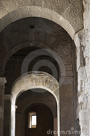 Free Arched Walkway In Rome, Italy. Stock Image - 2041851