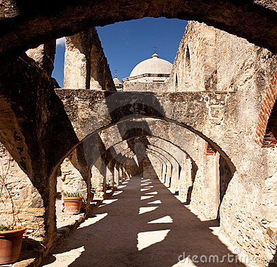 Free Arches Of San Jan Mission Near San Antonio Royalty Free Stock Image - 11686836