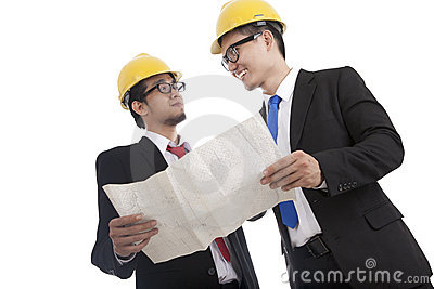Architect and construction engineer discussing 1