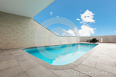Architecture whit pool