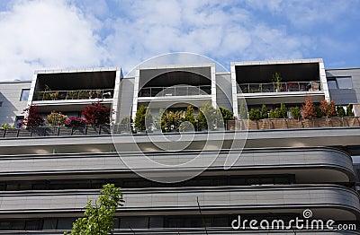 Architettura moderna casa con differenti balconi - Architettura casa moderna ...