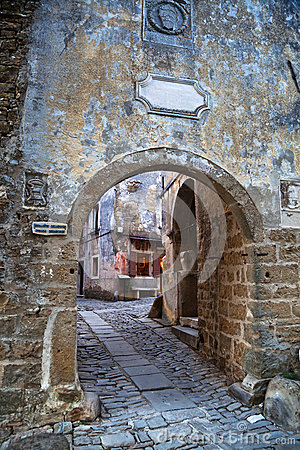 Free Archway In Groznjan, Croatia Stock Image - 33566491
