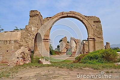 Archway ruin