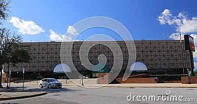 Arena James Brown en Augusta, Georgia 4K Un lugar polivalente renombrado para el cantante en 2006 almacen de video