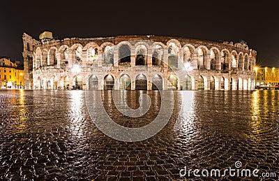 Arena, Verona amphitheatre in Italië