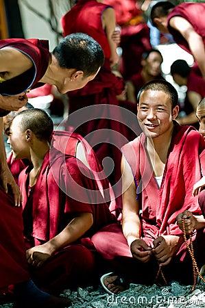 Argumentera monks Redaktionell Arkivbild