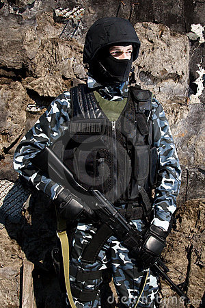 Free Armed Soldier Royalty Free Stock Image - 13552376