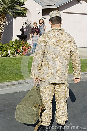 Army Soldier Returning Home