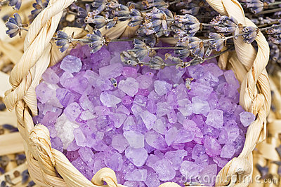 Aromatic bath salt and lavender flowers