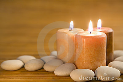 Aromatic candles and stones
