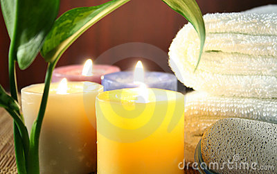 Aromatic candles,Towel and leaf