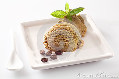 Aromatic coffee ice-cream serving