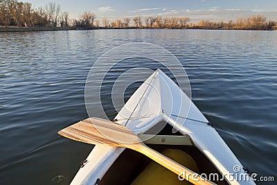 Arqueamiento y paleta de la canoa