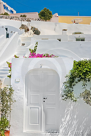 Arquitetura branca clássica de Santorini, Greece